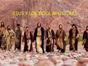 Jesús y los 12 apóstoles