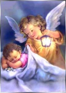 Un ángel protege el sueños de los pequeñitos