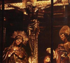 Imágenes del Cristo Negro de Esquipulas con otras figuras